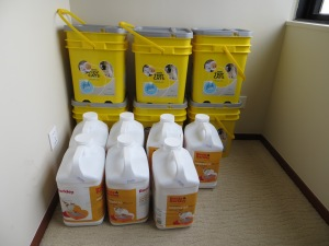 350 pounds of kitty litter